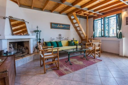 Traditional Villa – 190M From The Beach (Max. 8 persons)